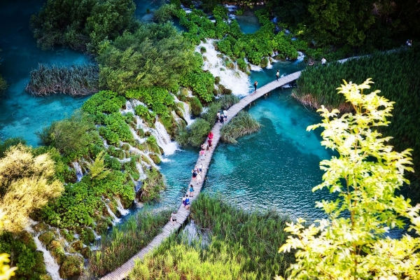 Plitvice lakes place perfect for selfie